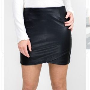 817979aee92c GENTLE FAWN faux leather Silas skirt / size 6